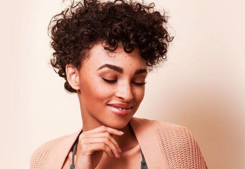 Como tirar o alisamento do cabelo?