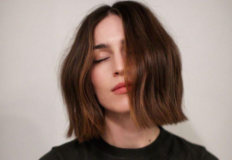 258176-adotar-um-corte-de-cabelo-curto-e-muito-article_media_item-2.webp